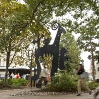 天神西交差点歩道広場(2010)の画像