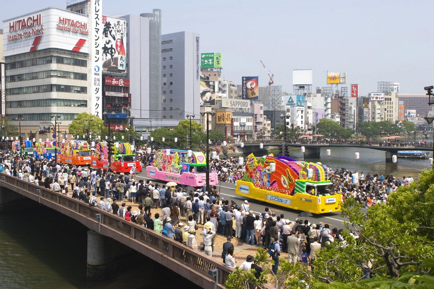 どんたく・花自動車のパレード(2007)の画像