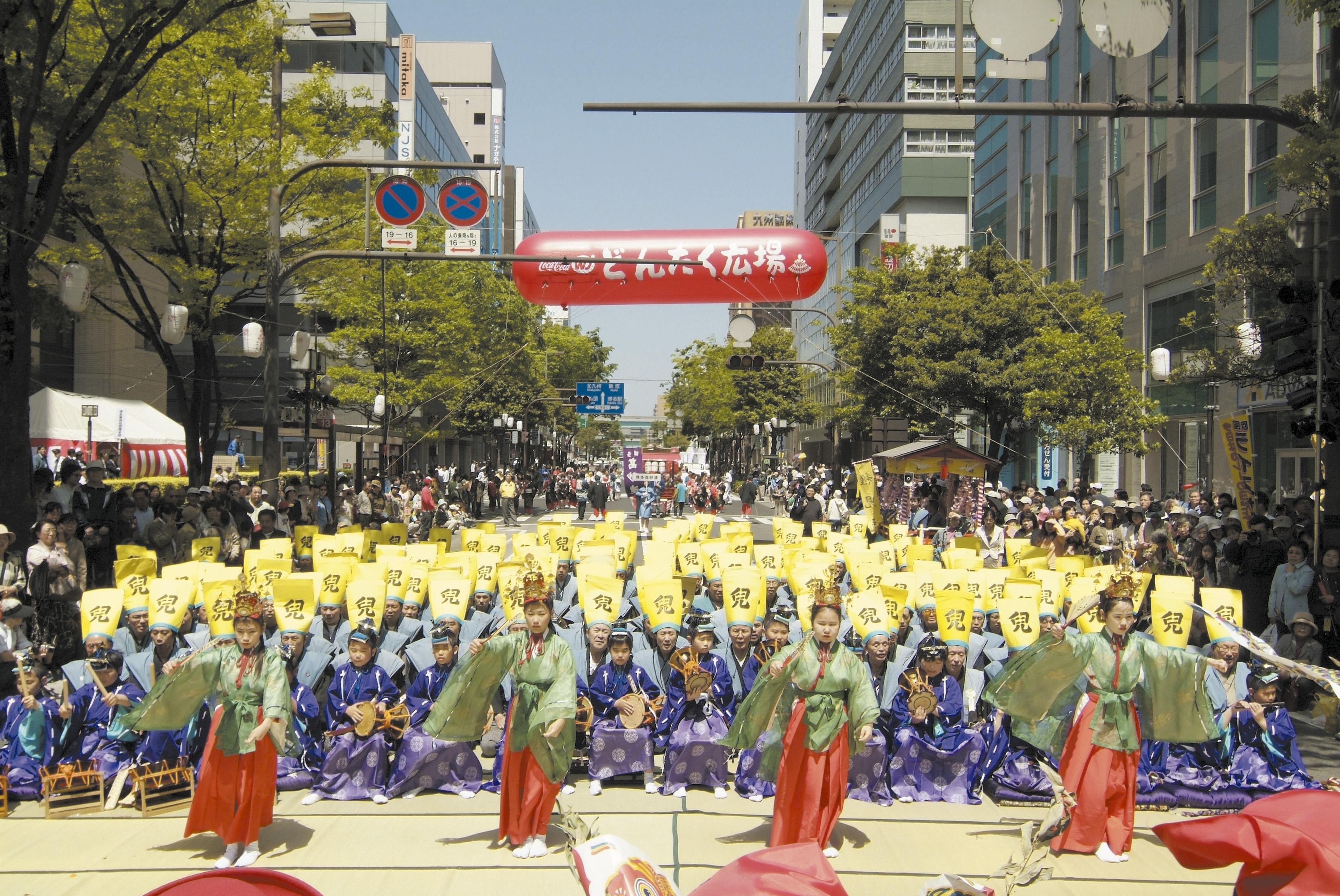 博多松囃子・稚児行列(稚児舞)(2006)の画像