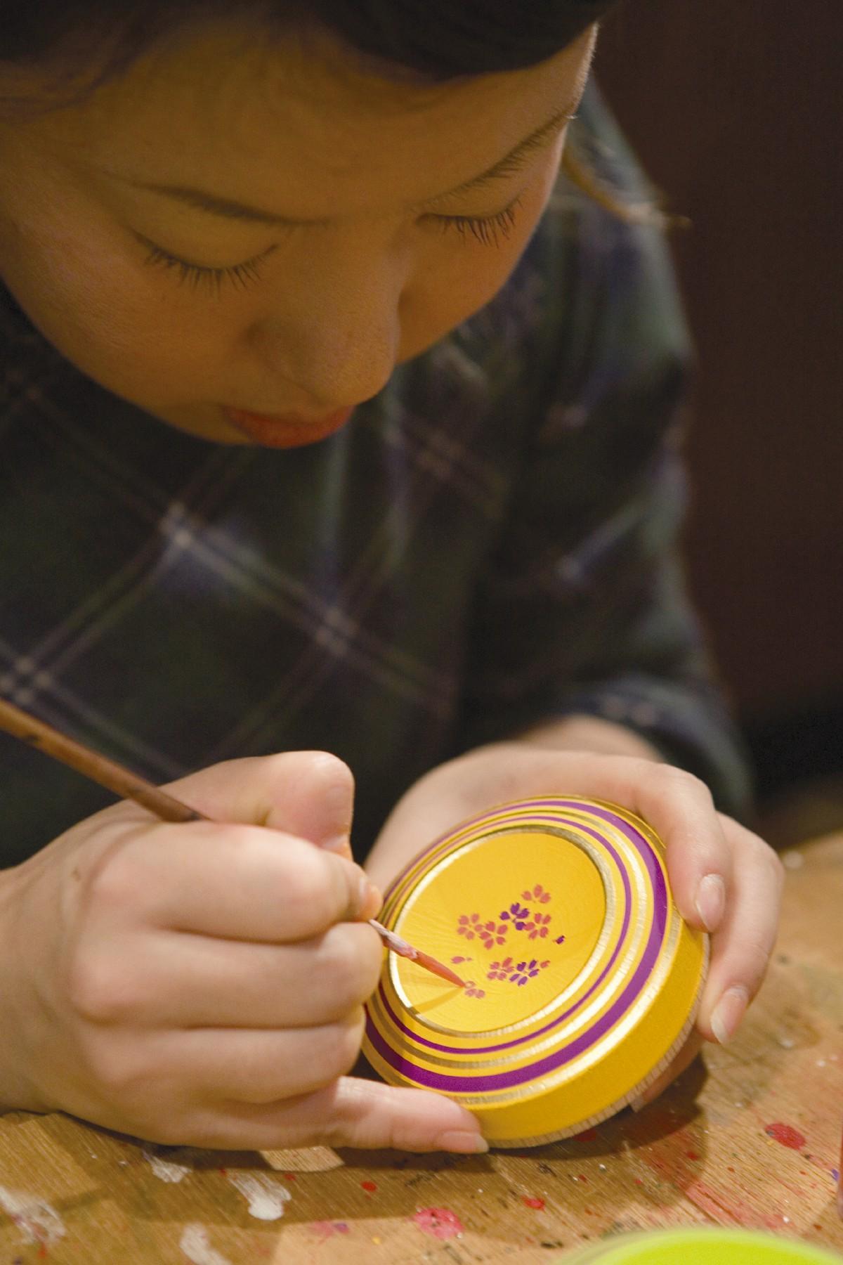 手作りの博多独楽(2006)の画像