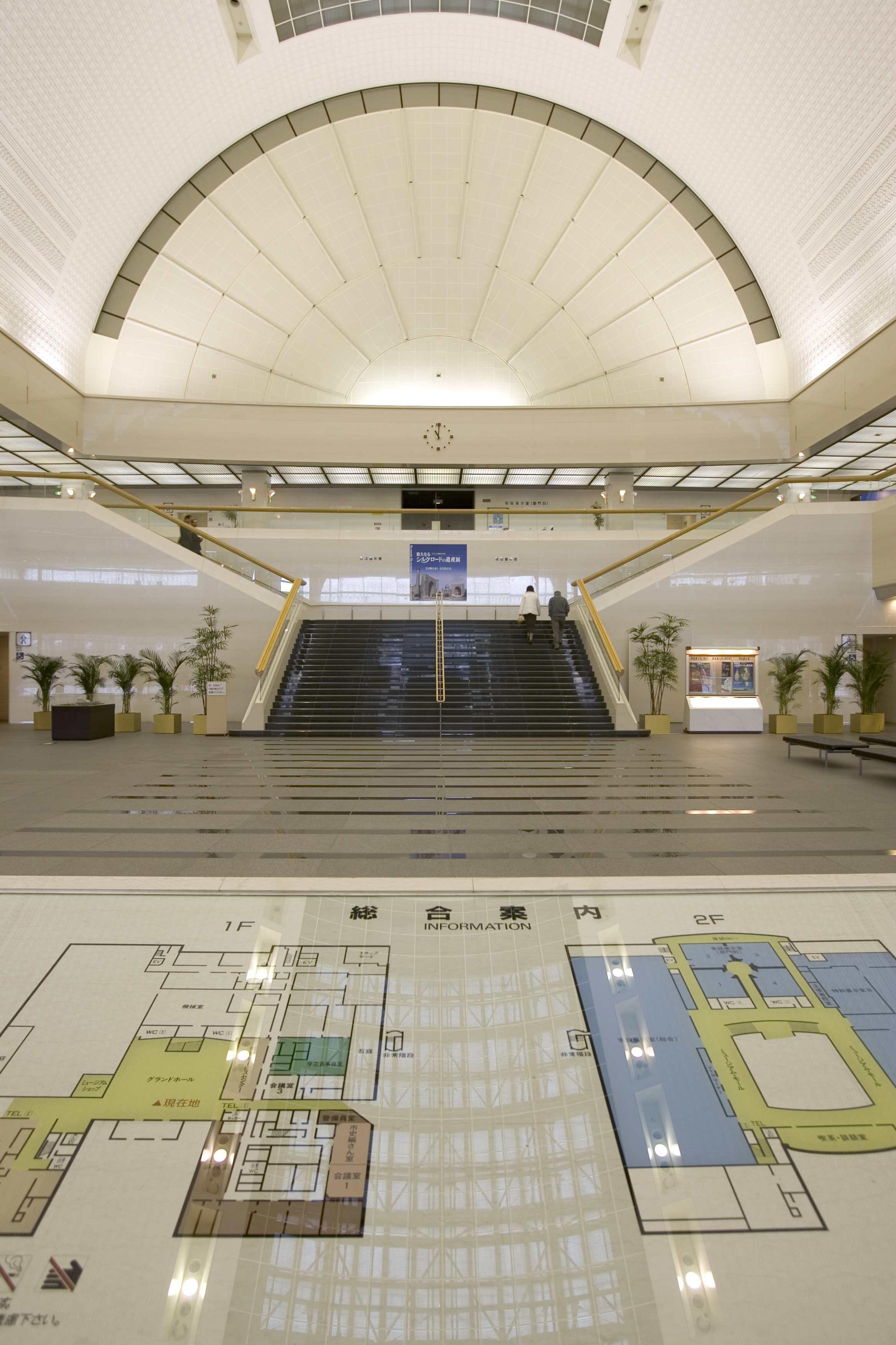 福岡市博物館・グランドホール(撮影年不明)の画像