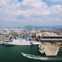 海外への旅客船も毎日就航(2009)の画像