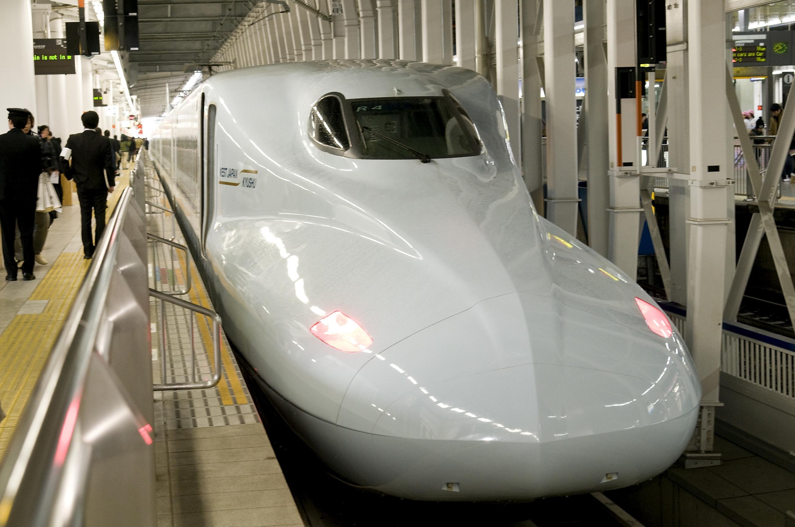 新幹線「さくら」(2010)の画像