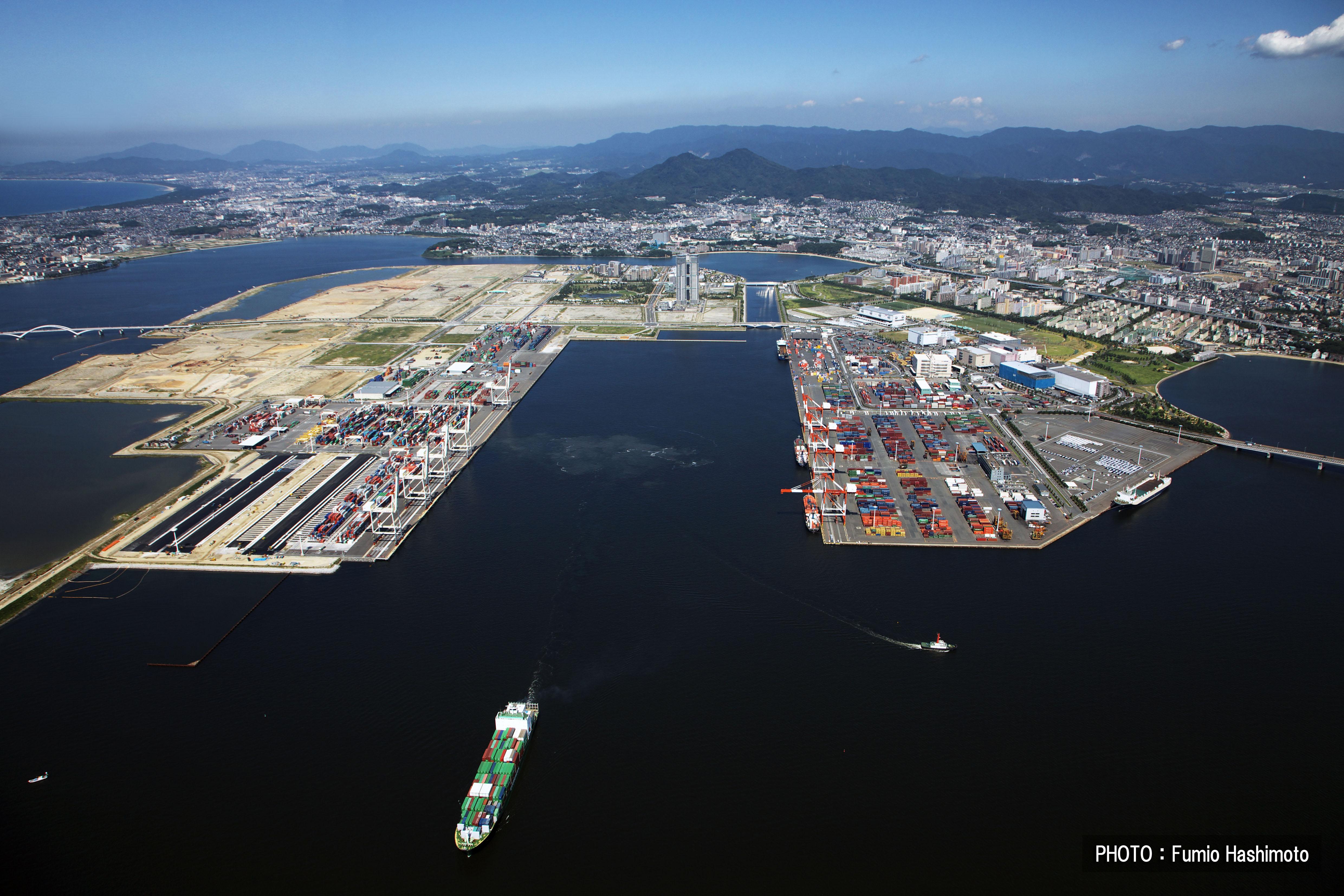 コンテナターミナル(2009)の画像