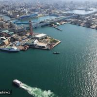 博多港・貨物だけでなく旅客船も多い(2009)の画像
