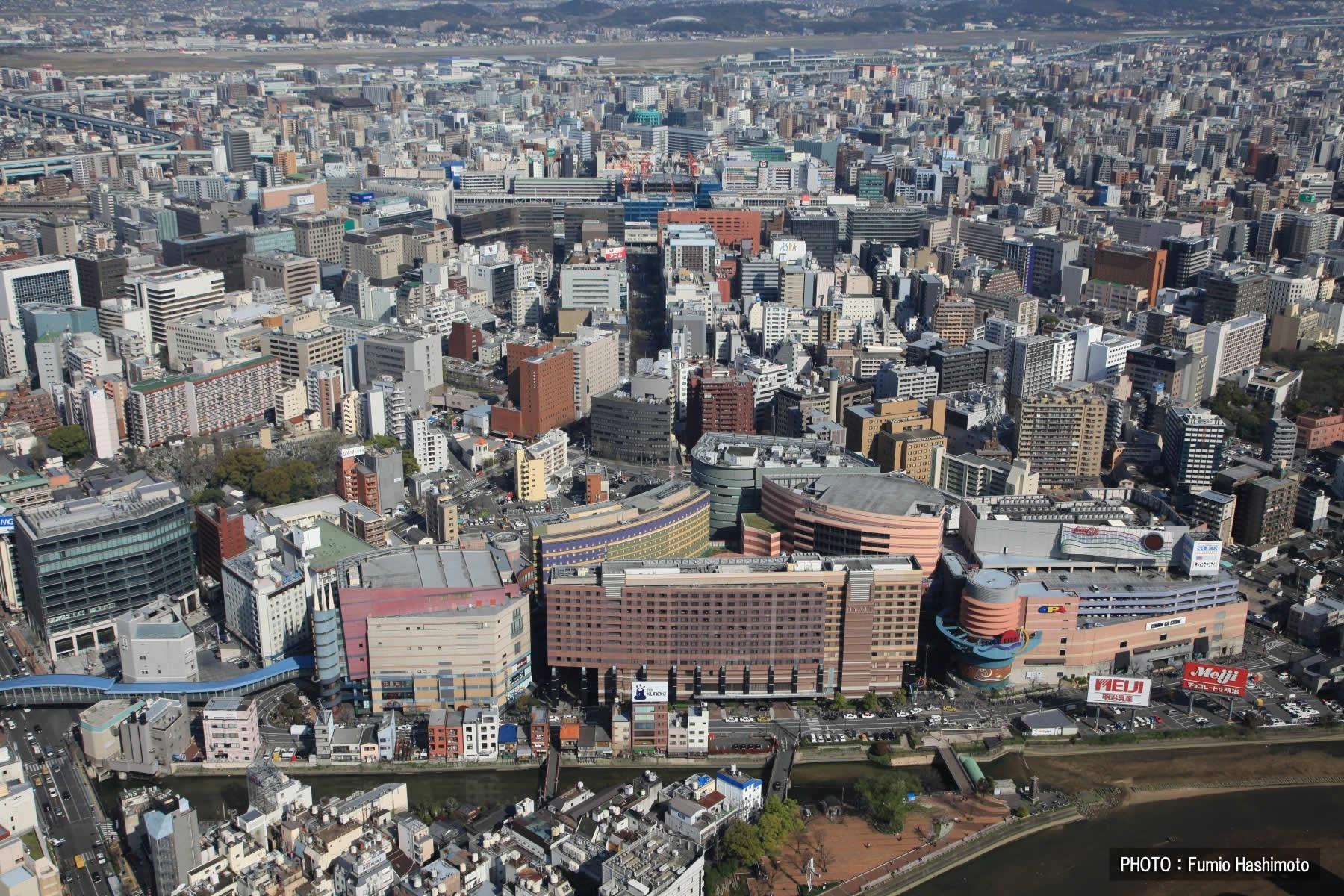 キャナルシティ上空(2009)の画像