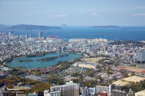 大濠公園上空から博多湾を望む(2009)の画像 まるごと福岡博多|大濠公園上空から博多湾を望む
