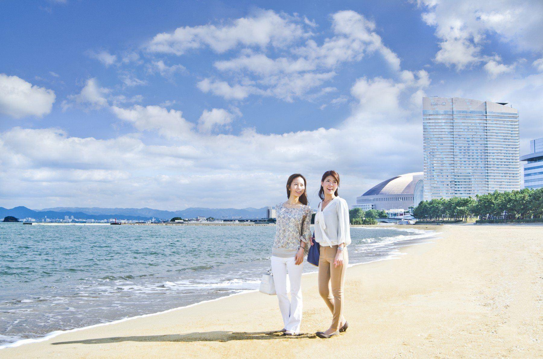 Image of Seaside Momochi(2012)
