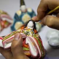 博多人形・絵付け(2015)の画像